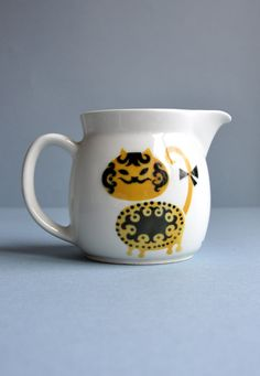Nice! Kaj Franck Yellow Cat Pitcher - Arabia Finland. $95
