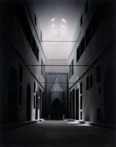 JAMES CASEBERE. Dormitory (After Topkapi Palace), 2006. Nº Edición 4/5 (con 2 PA). 229 x 181,5 cm. Fotografía digital (chromogenic print) montado en plexiglas