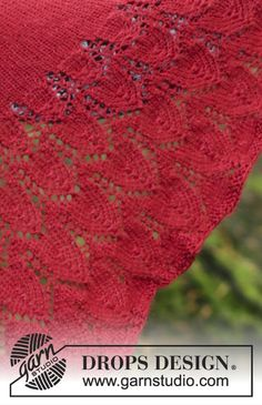 Knitted shawl with edge in lace pattern. Piece is knitted in DROPS BabyAlpaca Silk. Drops Design, Lace Knitting Patterns, Knitting Designs, Knitting Projects, All Free Knitting, Magazine Drops, Knitted Shawls, Design Design, Knit Scarf Patterns