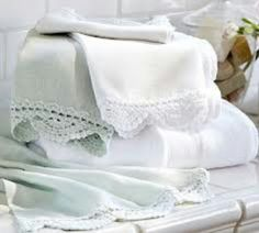Towels with crochet trim