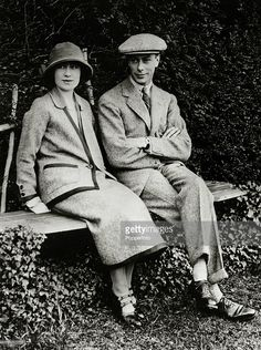 1923, HRH, The Duke and Duchess of York pictured at Polesden Lacey during their honeymoon, The Duke of York was to become King George VI, on the abdication of King Edward VIII, and reigned 1936-1952, with Elizabeth as his Queen Consort  (Photo by Popperfoto/Getty Images)