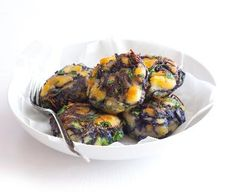Zelné karbanátky | Recepty Albert Sprouts, Chicken, Meat, Vegetables, Food, Essen, Vegetable Recipes, Meals, Yemek