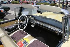 1959 Ford Skyliner - int