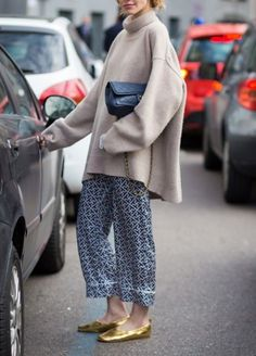 A Complete Guide to Choosing The Perfect Coat That Complements Your Taste This Season - Best Fashion Tips Fashion Over 50, Daily Fashion, Love Fashion, Fashion Outfits, Womens Fashion, Fashion Trends, Spring Summer Fashion, Autumn Fashion, T Shirts Uk