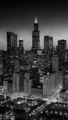 New York Wallpaper, Black Wallpaper Iphone, City Wallpaper, Dark Wallpaper, Wallpaper Backgrounds, Black And White Picture Wall, Black And White City, Black And White Wallpaper, Black And White Pictures