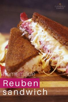 Looking for an easy dinner idea? Delicious and easy homemade reuben sandwich recipe made with homemade dressing. This recipe is a crowd pleaser! Pork Sausage Recipes, Bratwurst Recipes, Meat Recipes, Sandwich Recipes, Lunch Recipes, Dinner Recipes, Portobello, Sin Gluten, Gluten Free