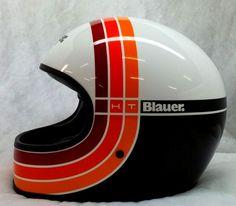 Bike helmet bringing back the old school. Cool Motorcycle Helmets, Retro Motorcycle, Bicycle Helmet, Racing Helmets, Retro Helmet, Vintage Helmet, Blitz Motorcycles, Cool Motorcycles, Vintage Motorcycles