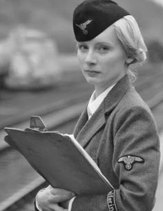 An elegant Aryan German Women, German Girls, Military Women, Military History, Aryan Race, Military Pictures, Female Soldier, Second World, World War Ii