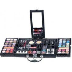 7 artículos indispensables en tu estuche de maquillaje  http://www.entrebellas.com/7-articulos-indispensables-en-tu-estuche-de-maquillaje/