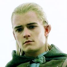 How Legolas feels when Aragorn falls is shown through his facial expression