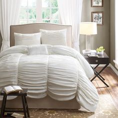 We are inlove with this! Want it in gray or silver. Home Essence Pacifica 4-Piece Bedding Duvet Set