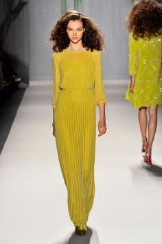 #MFSTrend Alert: Chartreuse | MyFashionistaStyle.com | SPRING 2014 RTW JENNY PACKHAM COLLECTION