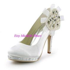 Size US 4--12 Fashion Women's Shoes Wedding Heels White Round Toe Rhinestone Pearls Platform Stiletto Heel Ladies Wedding Bridal Pumps