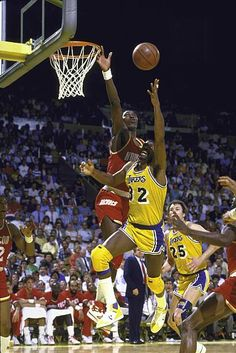 Magic Johnson Lakers, Best Nba Players, Pro Basketball, Sport Inspiration, Nba Playoffs, Houston Rockets, Los Angeles Lakers, Aba, Michael Jordan