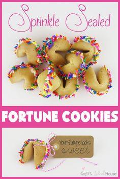 Sprinkle Sealed Fortune Cookies #DIY #Cookie #Sprinkles #Favor