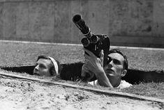 Umstrittene Filmpionierin: Die Regisseurin Leni Riefenstahl stand Hitler und anderen Nazi-Größen nahe. Nachdem sie bereits den NSDAP-Parteitag 1934 auf Zelluloid gebannt hatte, durfte sie auch den offiziellen Olympiafilm drehen. Auf diesem Bild ist sie mit Kameramann Walter Frentz zu sehen. Berlin, 1936. o.p.