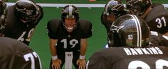 """Wanted to watch a football movie. """"Any Given Sunday"""" (1999) popped in my head. 'Search' and ... it's coming up at 10pm Eastern on VH-1. jackpot. 20140905"""