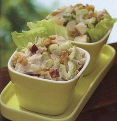 Салат с куриным филе и яблоком