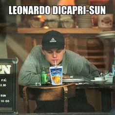 Die besten On- und Offscreen-Looks von Leo DiCaprio verdienen ihren eigenen Oscar – Richard Crawford – join in the world of pin Capri Sun, New Quotes, Funny Quotes, Funny Memes, Hilarious, Leonardo Dicaprio Funny, Leonardo Dicapro, Photo Star, Bae