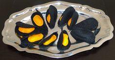 moule en feutrine, mussel in felt Felt Fish, Diy Play Kitchen, Felt Play Food, Pretend Food, Food Stands, Crochet Food, Fake Food, Food Crafts, Felt Toys
