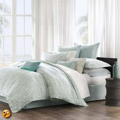 This Mykonos duvet cover by Echo brings a calm feeling to the bedroom. The oversized duvet cover is made from cotton with a mosaic tile design. The top of bed is complete with a tackless finish on the edge for a clean look. Echo Bedding, Queen Comforter Sets, Duvet Sets, Duvet Cover Sets, Aqua Bedding, King Duvet, Queen Duvet, Sheets Bedding, Twin Comforter