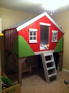 CLubhouse/Treehouse Bed. Really want to do something like this with a slide and just make the girls a house for their play room.