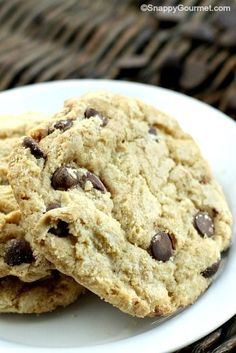 Chocolate Chip Cookies - the BEST chocolate chip cookie recipe and easy to make! SnappyGourmet.com