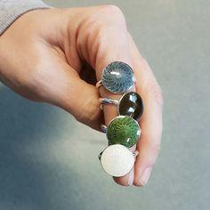 Håndlagde Venus smykker i sølv og emalje fra Opro - norske emaljesmykker. Venus, Enamel Jewelry, Jewellery, Druzy Ring, Handmade, Fashion, Moda, Jewels, Fashion Styles