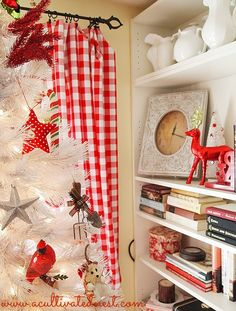 The Last Little Bits of Christmas Decor