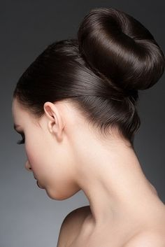 Brunette with elegant hairstyle Royalty Free Stock Images , Soft Hair, Shiny Hair, Hair A, Hair Type, Hair Buns, Chignon Bun, Updo, Elegant Hairstyles, Down Hairstyles