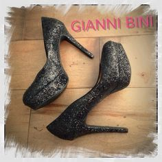 Gianni Bini Platform Heels Black 9.5 Pumps Only worn once!  Perfect for a night out.. They look as amazing paired with a cocktail dress as they do with jeans.  You can't go wrong with this classic style & color. Gianni Bini Shoes Heels