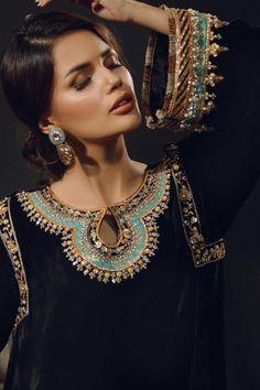 Pakistani Formal Dresses, Pakistani Fashion Party Wear, Pakistani Wedding Outfits, Indian Bridal Outfits, Pakistani Dress Design, Indian Fashion, Shadi Dresses, Indian Dresses, Pakistani Clothing