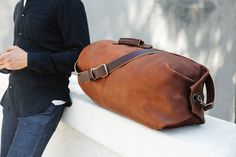 The Go Forth Goods Gunnar Leather Duffle Bag is a military style duffle bag like no other. This handmade army duffle bag is built to take on every adventure. Canvas Duffle Bag, Leather Duffle Bag, Leather Bags, Duffle Bags, Military Fashion, Military Style, Duffle Bag Patterns, Mens Weekend Bag, Backpack Bags