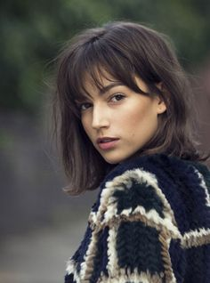 Womens haircuts with bangs 2019 new best hairstyle Womens Hairstyles With Cute Short Haircuts, Haircuts With Bangs, Midi Haircut, Long Bob Haircut With Bangs, Medium Hair Styles, Curly Hair Styles, Short Styles, Bob Hairstyles, Fringe Hairstyles