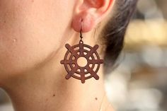 These are laser cut circleearrings made from vegetable tanned cowhide leather. Leather Earrings, Boho Earrings, Leather Jewelry, Drop Earrings, Cowhide Leather, Leather Cord, Natural Brown, Beading Supplies