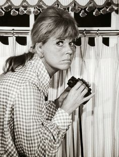 Is Doris on duty with the local Neighbourhood Watch scheme? I Love Lucy, Love Her, Animal Activist, Classic Tv, Classic Movies, Les Brown, She Is Gorgeous, She Movie, I Love To Laugh