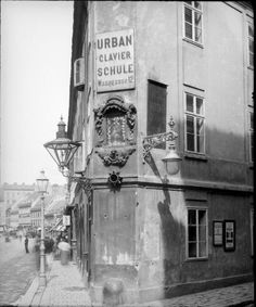 Clavier Schule Urban (Piano school), Waaggasse Vienna ca. Scenery Pictures, Old Pictures, Old Photos, Honeymoon Pictures, Austro Hungarian, Cityscapes, Old World, Maui, Street Photography