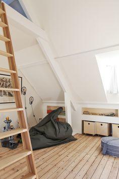 Vide met steigerbuis balustrade ook zo 39 n bed kan voor je maken kids rooms - Bed kamer mezzanine ...