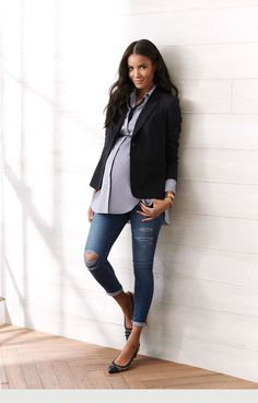 Awesome business maternity look