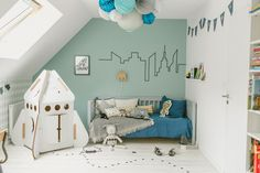Blue is usually linked to boys but it's the perfect tone to add peace to every kids' space. In this case, the talented French stylist Estelle Williot has created a kid's room with lots of cool and interesting details like that wonderful cardboard rocket, those nice textiles or the skyline-shaped wall sticker. Let's be creative! Blue […]