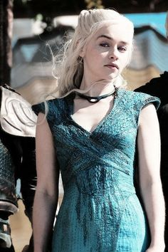 Emilia Clarke plays Daenerys Targaryen, Breaker of Chains -You can find Plays and more on our website.Emilia Clarke plays Daenerys Targaryen, Breaker of Chains - Daenerys Targaryen Dress, Emilia Clarke Daenerys Targaryen, Game Of Throne Daenerys, Khaleesi, Daenerys Targaryen Aesthetic, Arte Game Of Thrones, Game Of Thrones Facts, Game Of Thrones Funny, Game Thrones