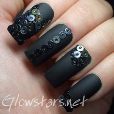 unghii false negre