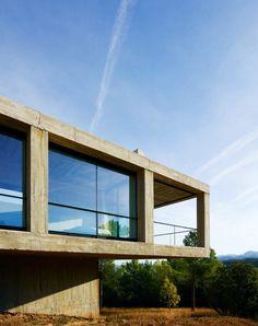 Design Finder Architecture: Casa Pezo in Aragon, Spain
