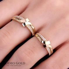 Gold engagement rings TCR63124