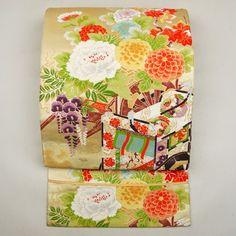 Gold, silk fukuro obi / ふっくらと仕上がった豪華な袋帯 http://www.rakuten.co.jp/aiyama #Kimono #Japan #aiyamamotoya