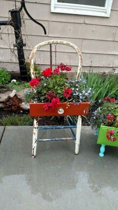 More Than 10 Creative Upcycled Diy Chair Planter Ideas For Your Garden ; Creative Upcycled DIY Chair Planter Ideas For Your Garden ; Flower Planters, Garden Planters, Flower Pots, Fall Planters, Mailbox Garden, Cut Garden, Garden Junk, Chair Planter, Planter Boxes