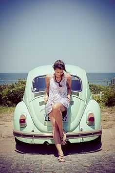 Love the outfit, the beach, and the car!!!!!  totally my style