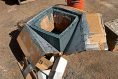 DIY CONCRETE:: Planter Box : 4 Steps (with Pictures) - Instructables Best Picture For Cement fireplace For Your Taste You are looking for something, and it is going to tell you exactly what you are lo Concrete Planter Boxes, Diy Planter Box, Concrete Cement, Concrete Pots, Concrete Garden, Concrete Design, Diy Planters, Garden Planters, Concrete Crafts