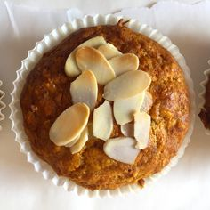 The best recipe for delicious carrot almond muffins!