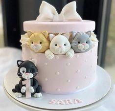 Unique Birthday Cakes, Baby Birthday Cakes, Pretty Cakes, Cute Cakes, Fondant Cakes, Cupcake Cakes, Birthday Cake For Daughter, Kitten Cake, Cake Designs For Girl